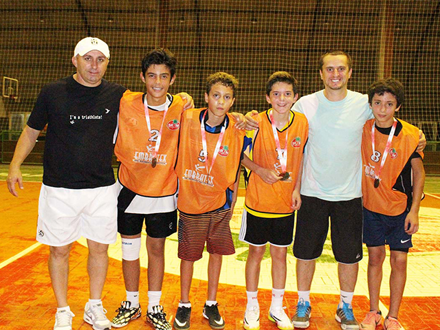 Equipe Laranja vence Torneio de Futsal Mirim