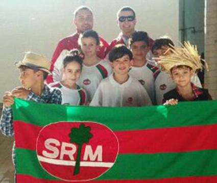 Equipe de natação da S.R. Mampituba / FME conquista bons resultados em Campeonato Estadual