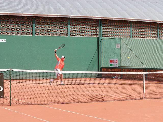Competição estadual de tênis movimenta S.R. Mampituba