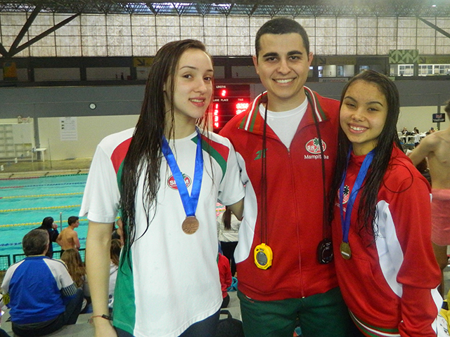 Atletas de natação da S.R. Mampituba / FME se destacam em competição estadual
