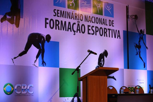 Dirigentes da S.R. Mampituba participam de Seminário Nacional de Formação Esportiva, da CBC