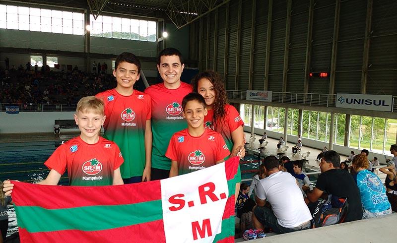Equipe de Natação garante boas colocações em Campeonato Sul Brasileiro Mirim Petiz