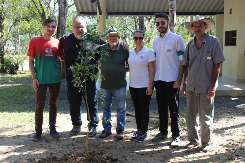 No Dia da Árvore, Mampituba continua a tradição de plantio de mudas