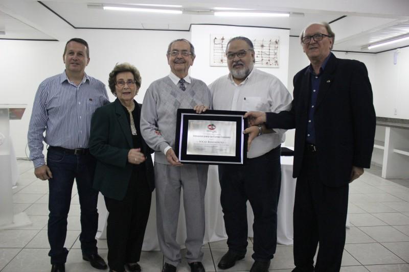 S.R. Mampituba homenageou Fernando Carneiro