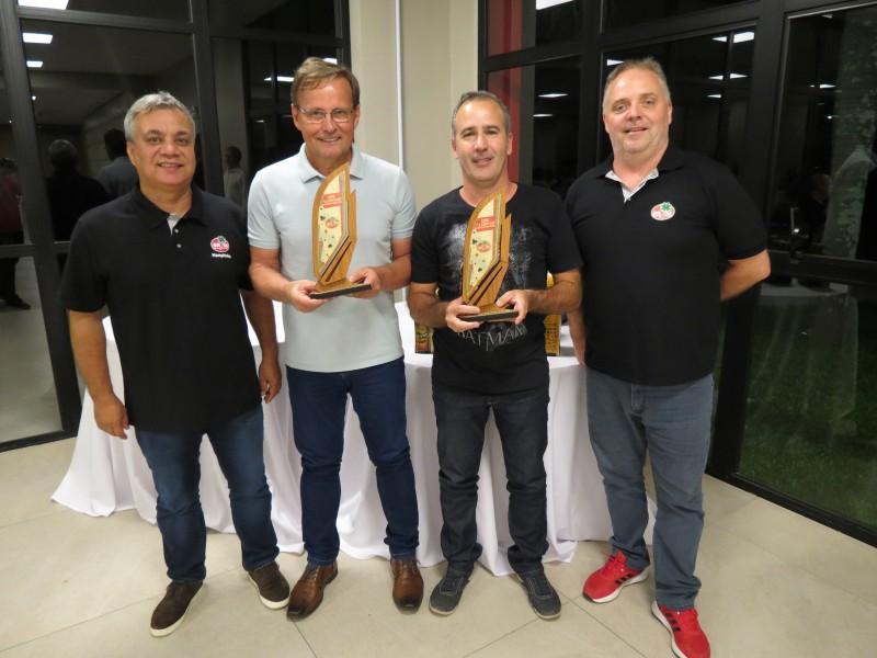 Copa de Canastra Masculina é finalizada e campeões são premiados