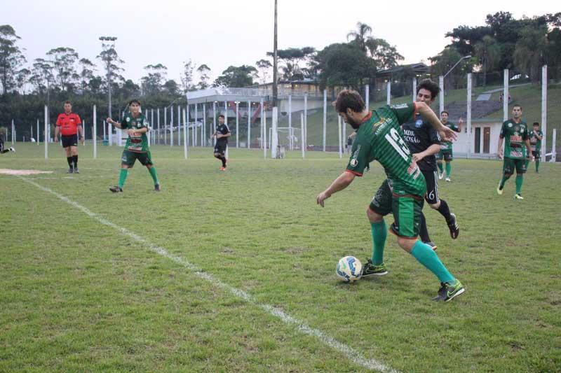 Show de gols marca sexta rodada da Copa de Futebol Suíço Aberto