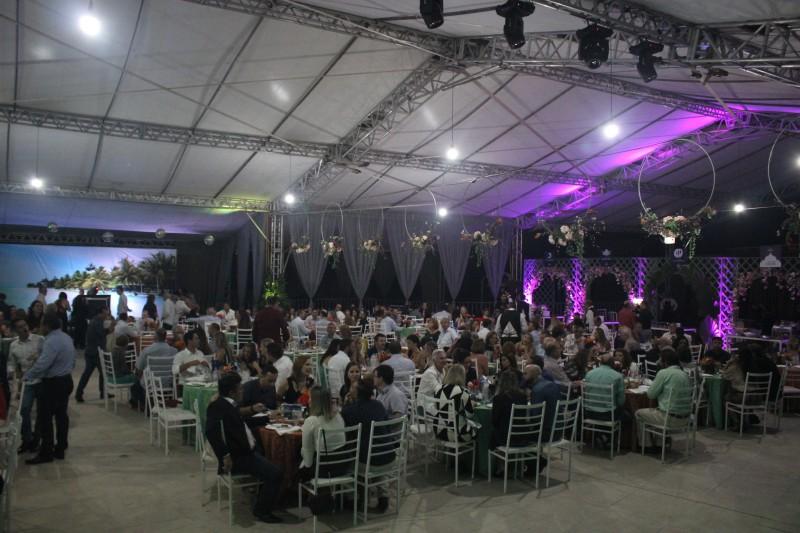 Alta gastronomia e muita música marcam mais uma edição de sucesso do Uma Noite Nos Mares do Sul