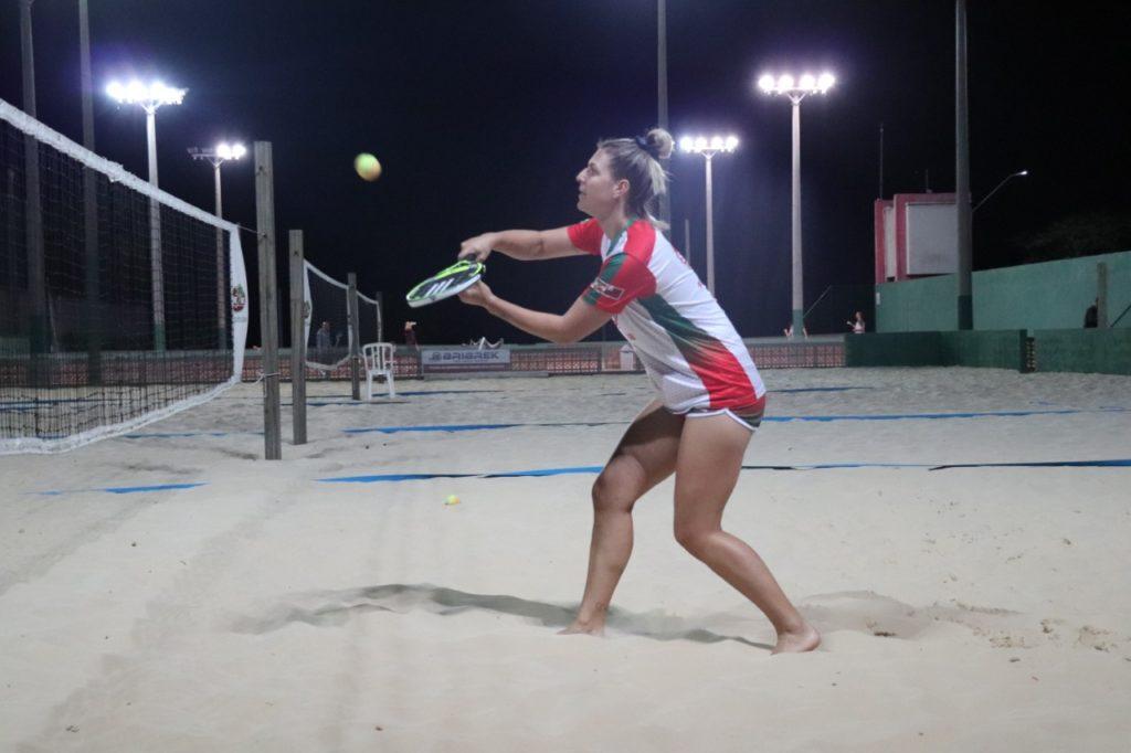 Atleta representará Mampituba nas três últimas etapas do Mundial de Beach Tennis (6)