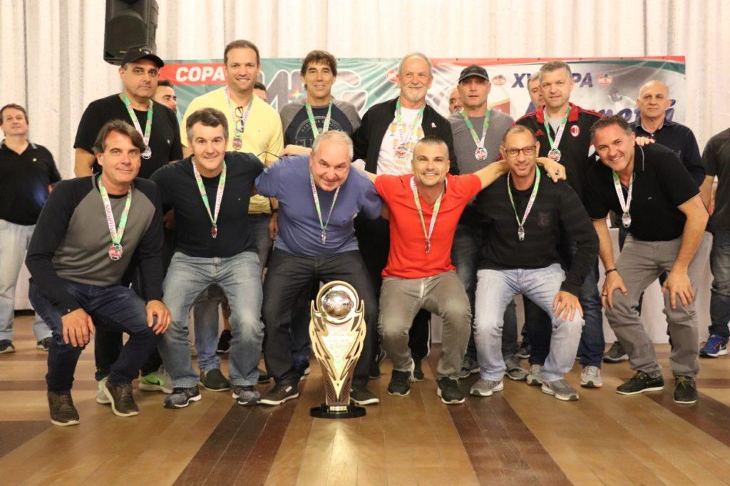 """Equipe Santerra  - vice-campeã Copa """"Meg – Taça Mario Ribeiro"""" de Futebol Suíço Veterano"""